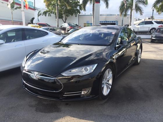 2014 Tesla Model S :8 car images available