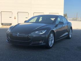 2015 Tesla Model S 70D:19 car images available