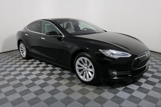 2016 Tesla Model S 70D:24 car images available