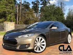 2016 Tesla Model S 70D:24 car images available