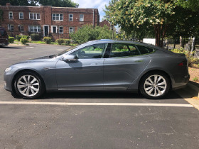 2014 Tesla Model S 85:6 car images available