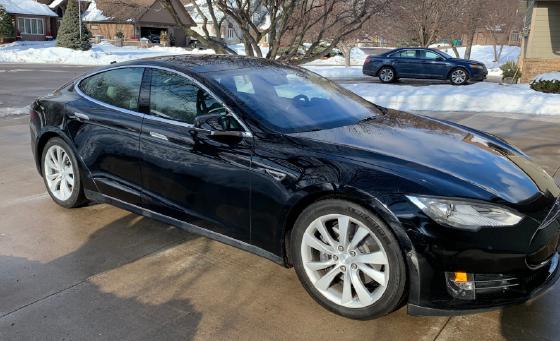 2015 Tesla Model S 85D:6 car images available