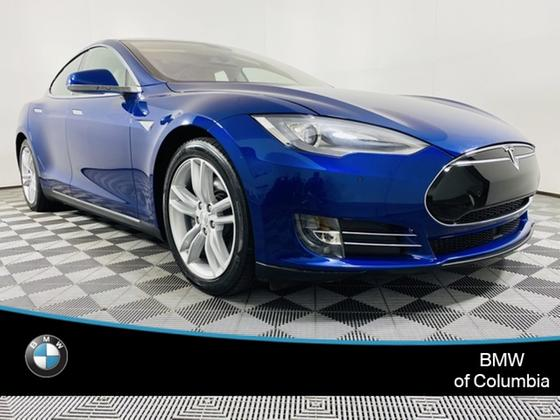 2015 Tesla Model S 85D:24 car images available