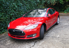 2015 Tesla Model S 90D:10 car images available