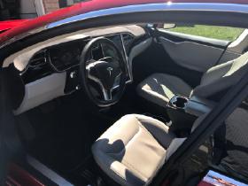 2015 Tesla Model S 90D