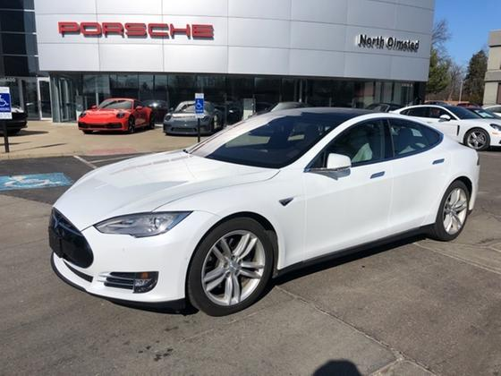 2016 Tesla Model S 90D:20 car images available