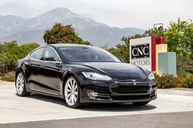 2013 Tesla Model S P85:24 car images available