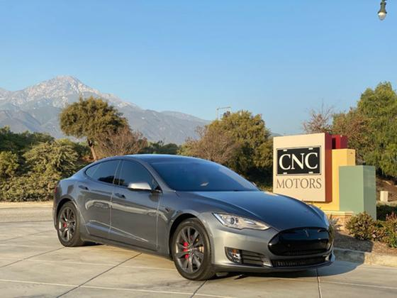 2014 Tesla Model S P85:8 car images available