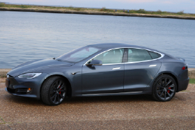 2020 Tesla Model S Performance:11 car images available