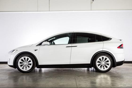 2017 Tesla Model X 75D:24 car images available