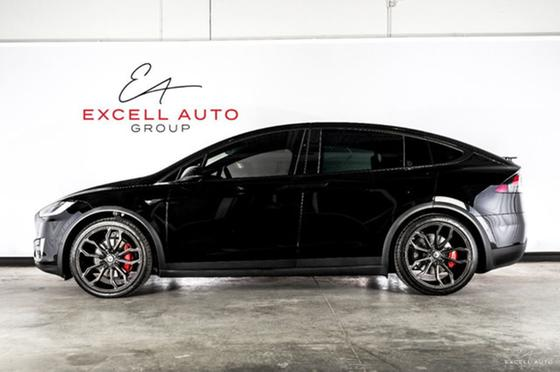2018 Tesla Model X 75D:24 car images available
