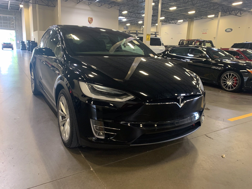 2018 Tesla Model X 75D:6 car images available