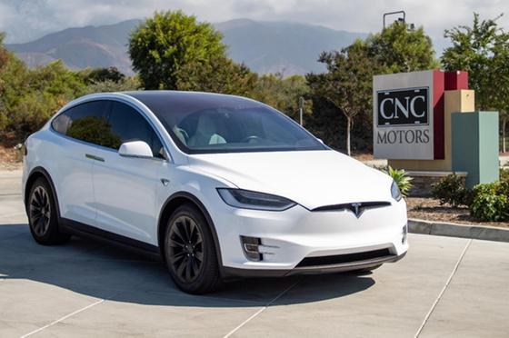 2017 Tesla Model X 90D:24 car images available