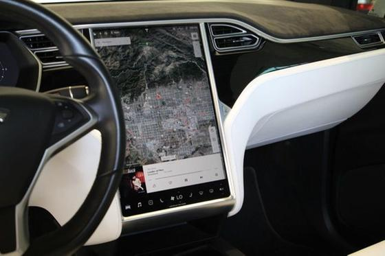 2017 Tesla Model X 90D