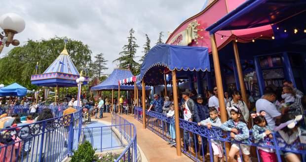 Disneyland Dumbo RIde