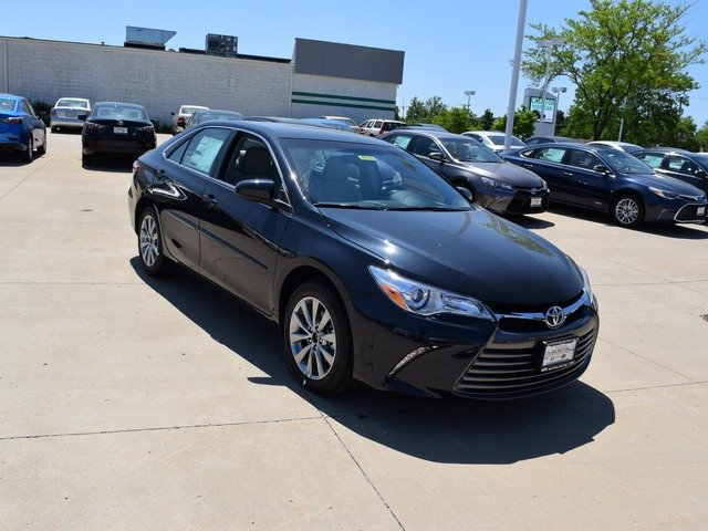 New 2017 Toyota Camry in Palatine Illinois