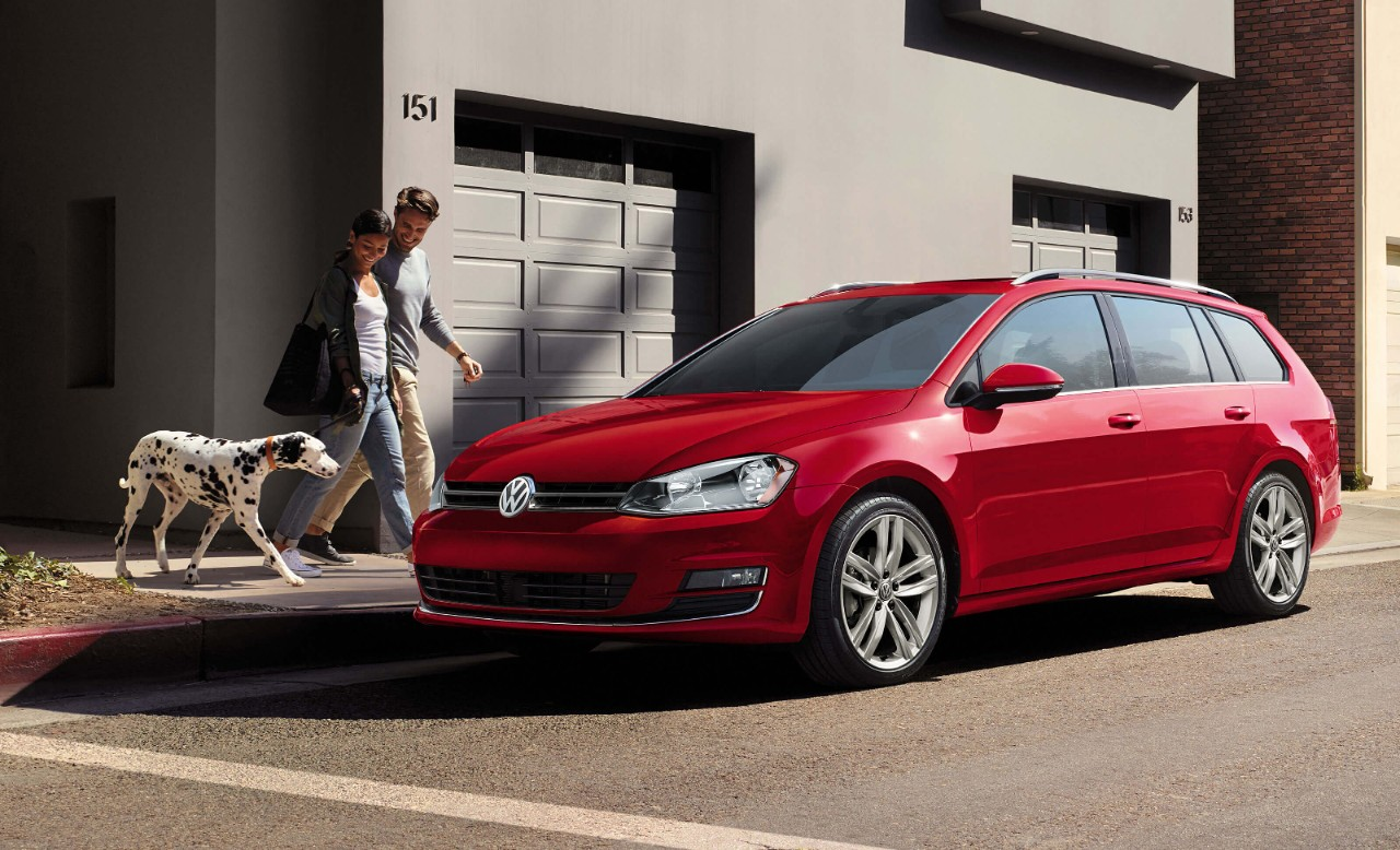 New VW Golf SportWagen Exterior main image