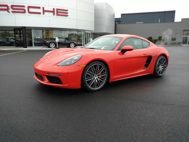 New 2017 Porsche Cayman in Cicero New York