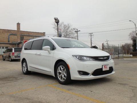 New 2017 Chrysler Pacifica in Oak Lawn Illinois