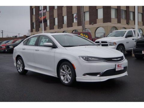 New 2017 Chrysler 200 in Oak Lawn Illinois