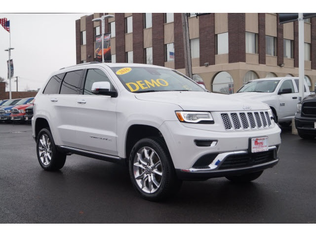 New 2016 Jeep Grand Cherokee in Oak Lawn Illinois
