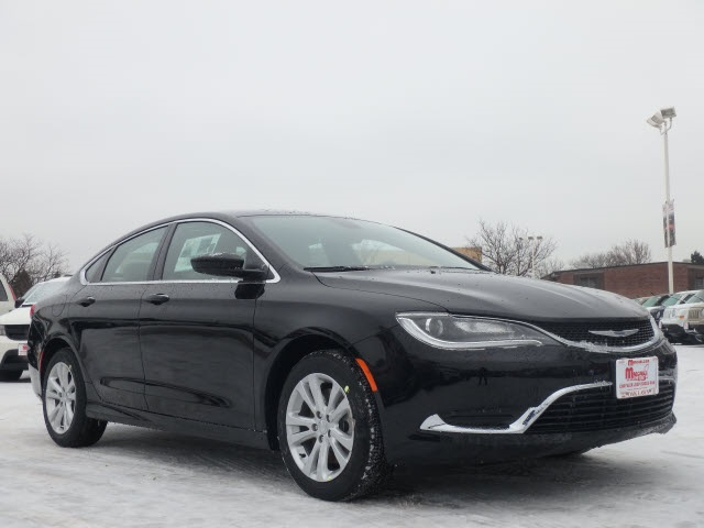 New 2017 Chrysler 200 in Oak Lawn Illinois