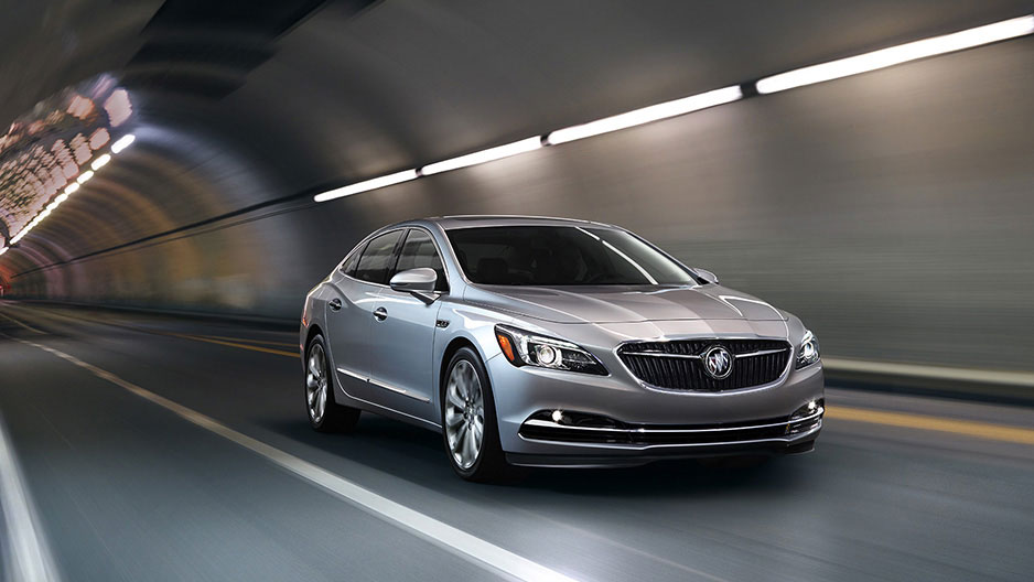 New Buick LaCrosse Exterior image 2