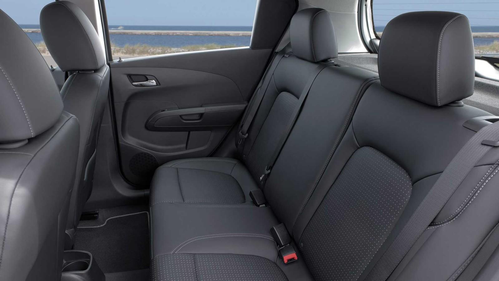 New Chevrolet Sonic Interior image 2