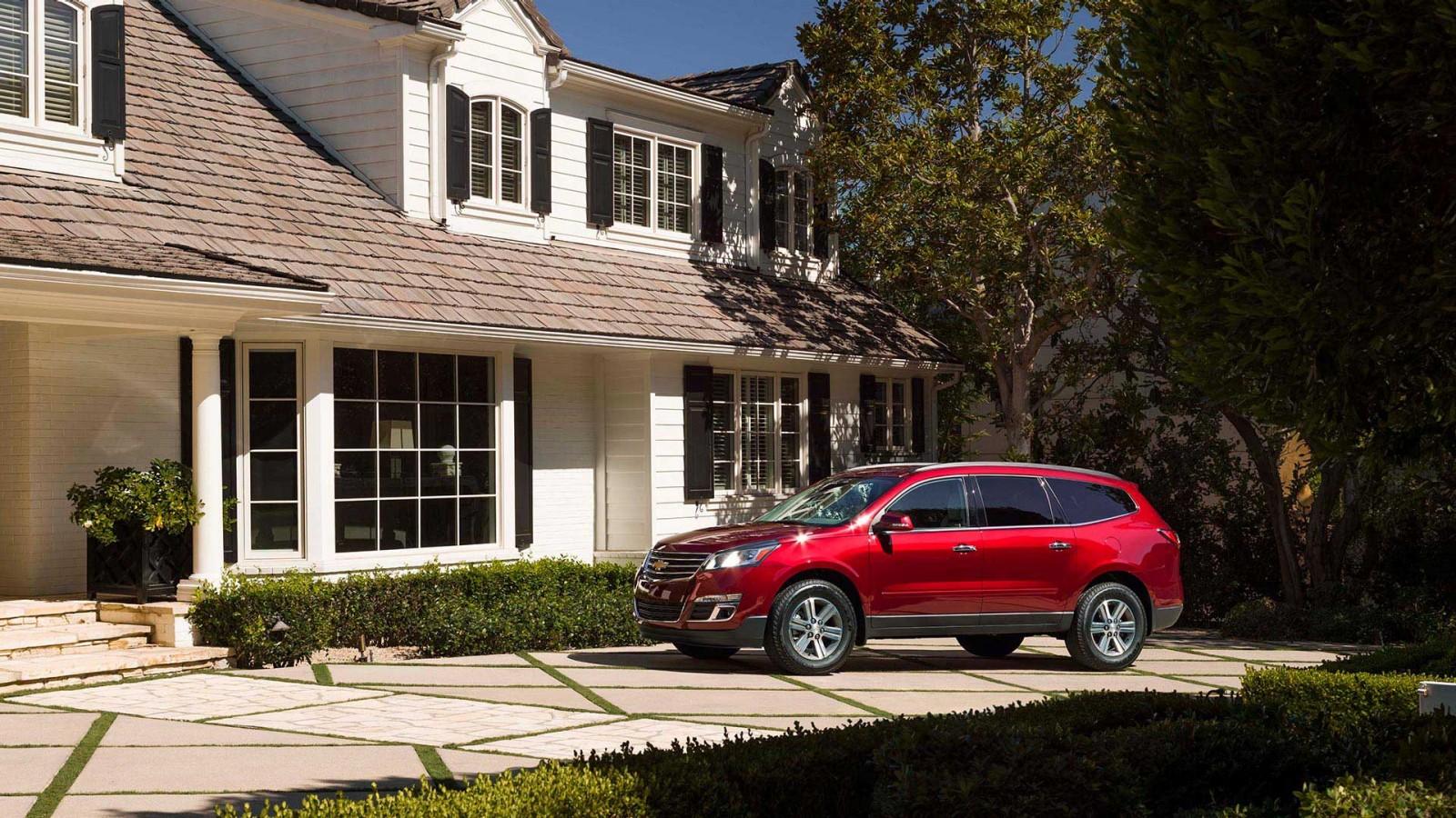 New Chevrolet Traverse Exterior image 2