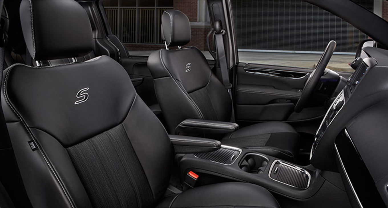 New Chrysler Town And Country Interior Main Image