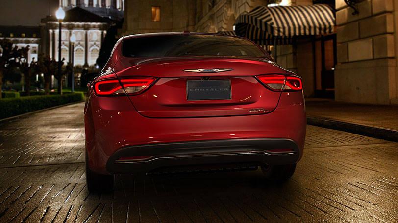 New Chrysler 200 Exterior image 1
