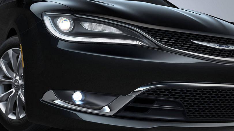 New Chrysler 200 Exterior image 2