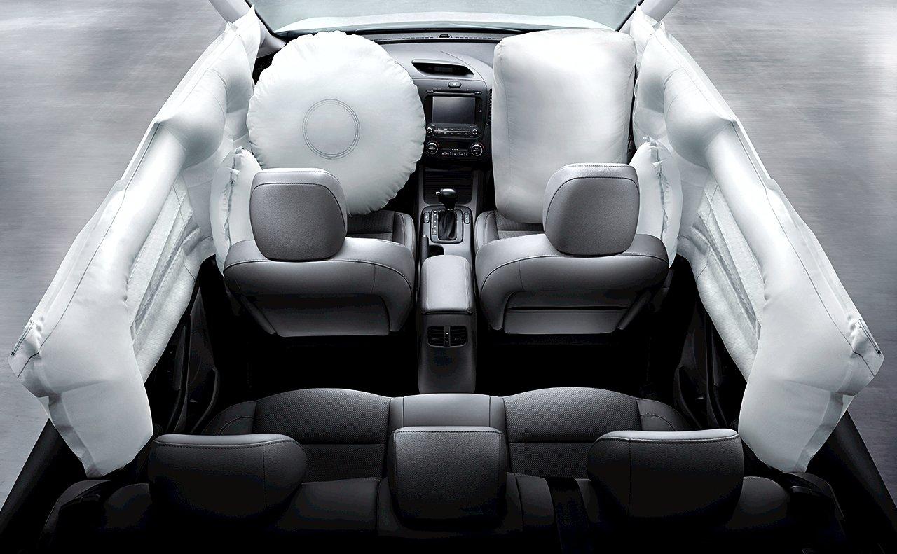 New Kia Forte Interior image 2