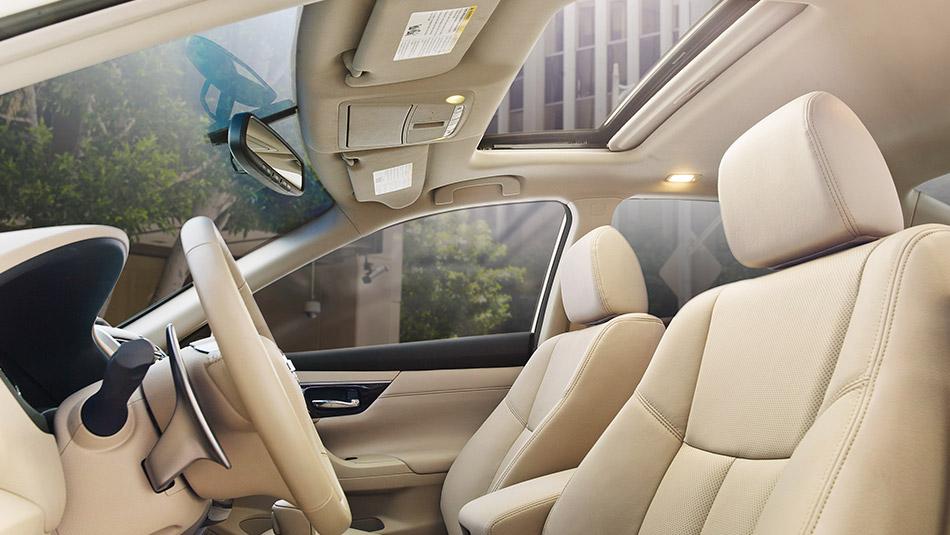 New Nissan Altima Interior image 2