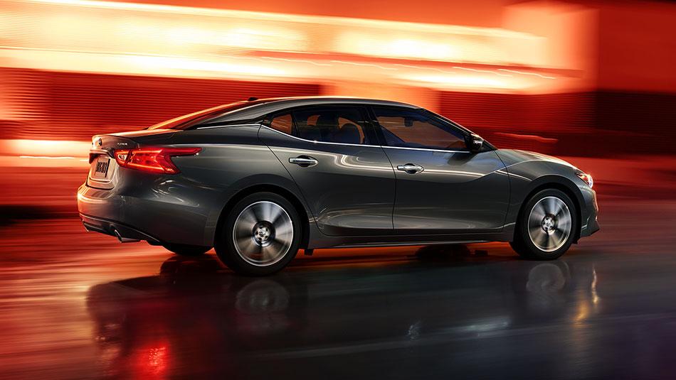 New Nissan Maxima Exterior image 1