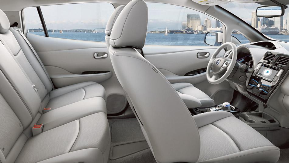 New Nissan Leaf Interior image 2