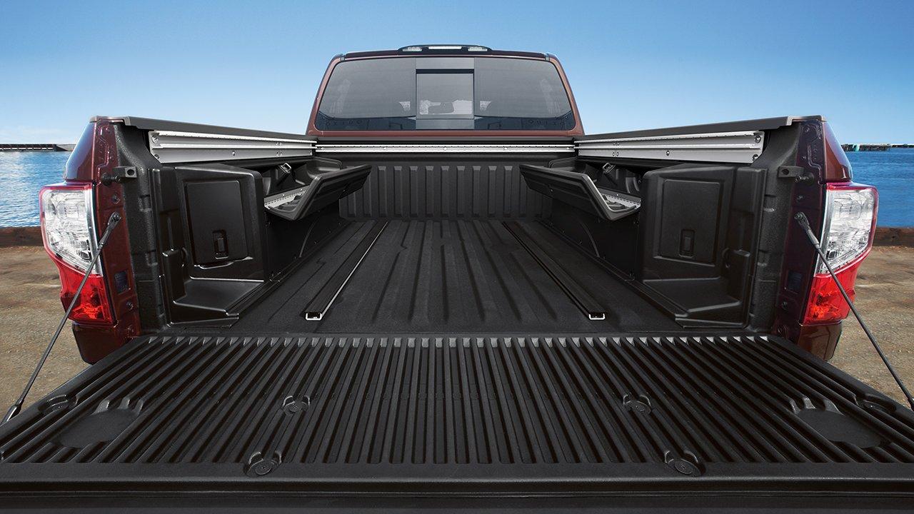 New Nissan Titan Interior image 1