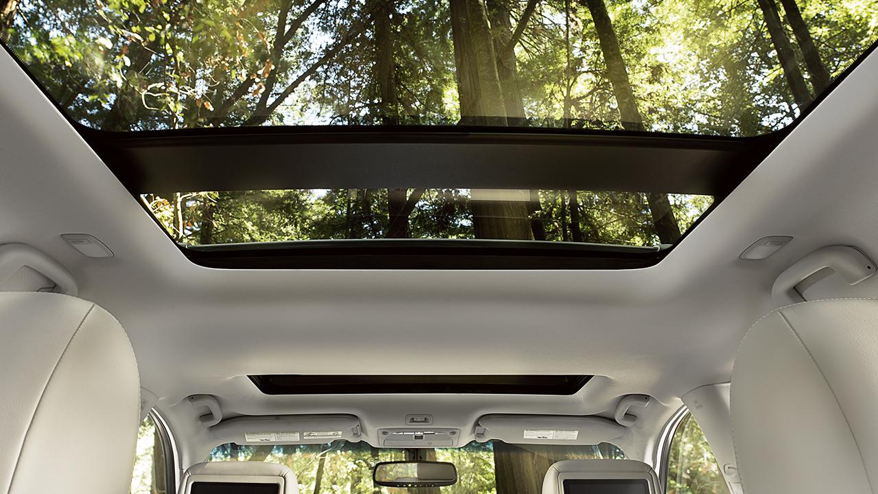 New Nissan Pathfinder Interior image 2