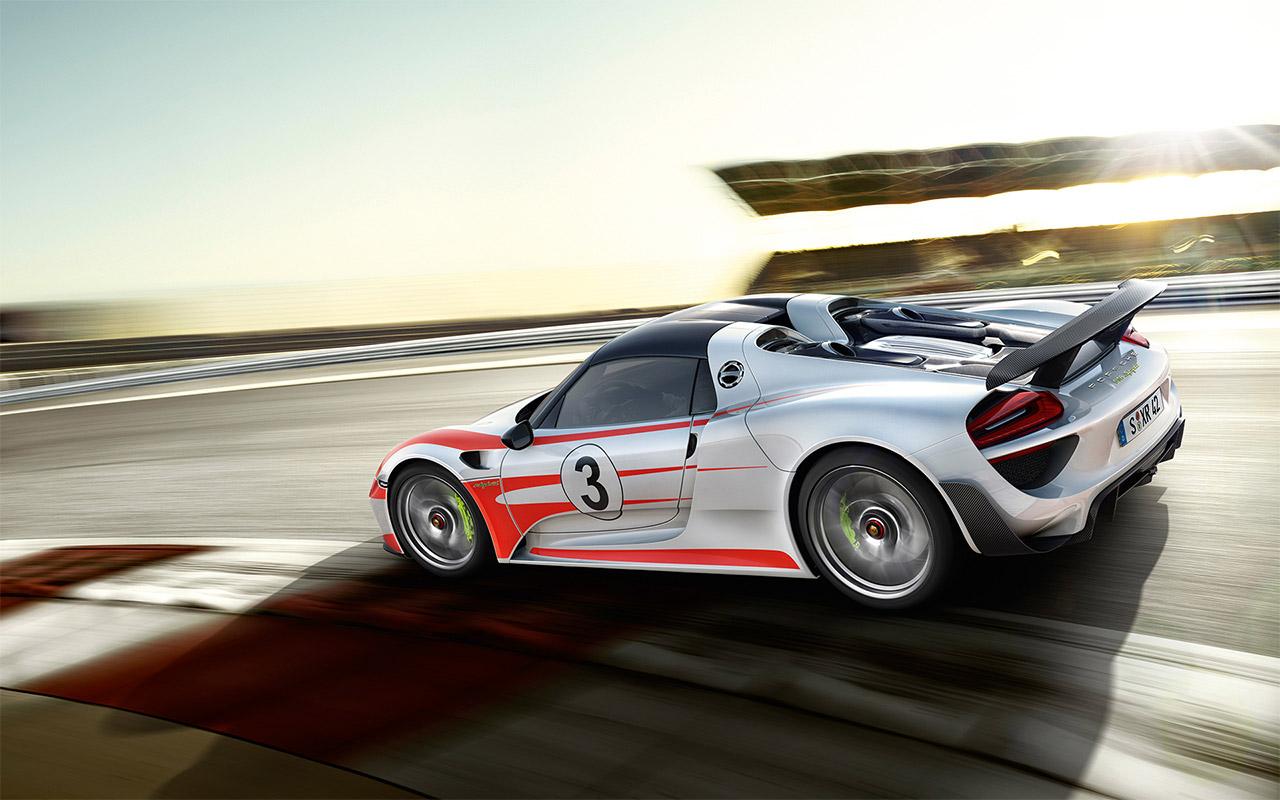 New Porsche 918 Interior main image