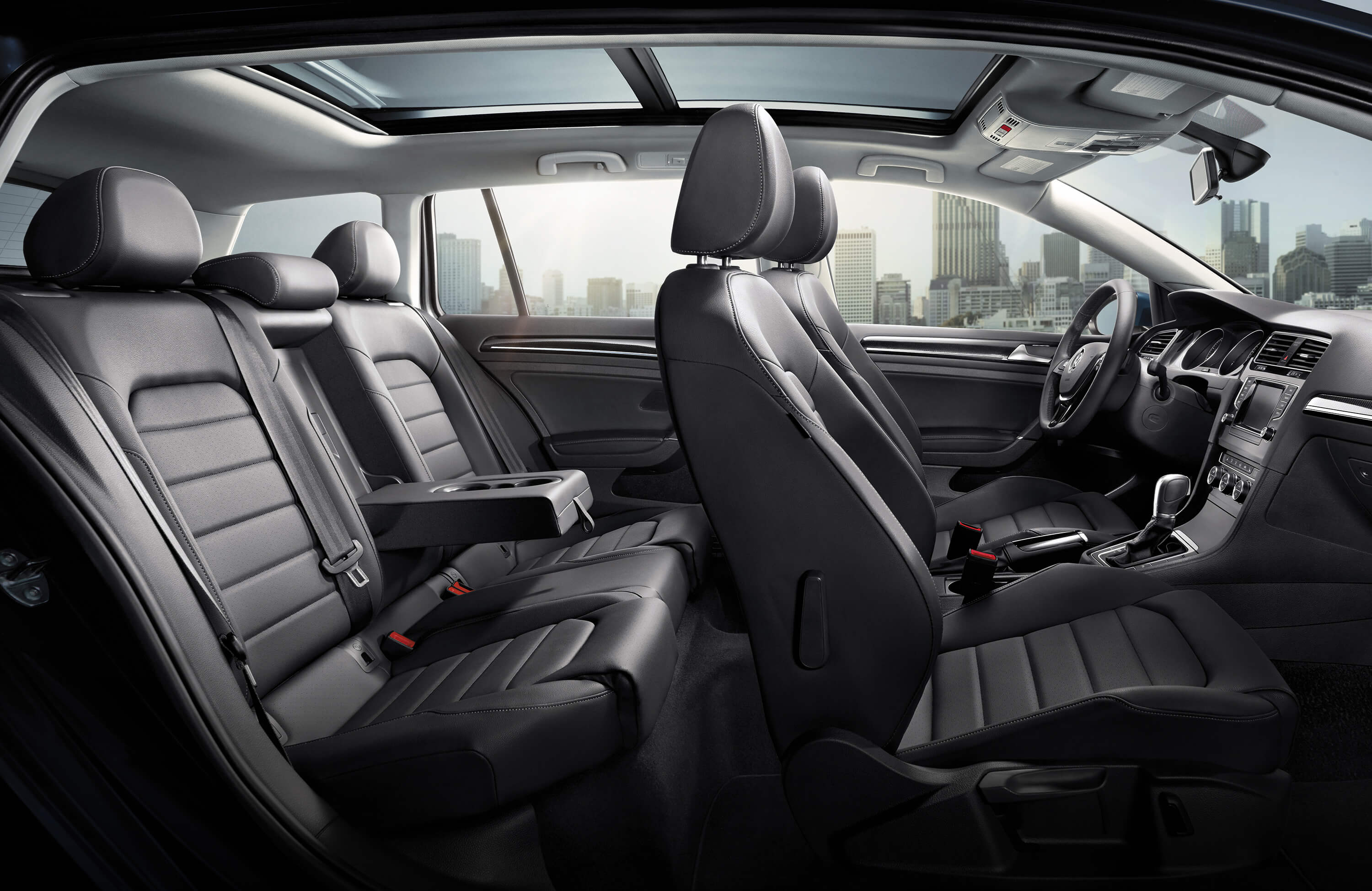 New VW Golf SportWagen Interior image 2