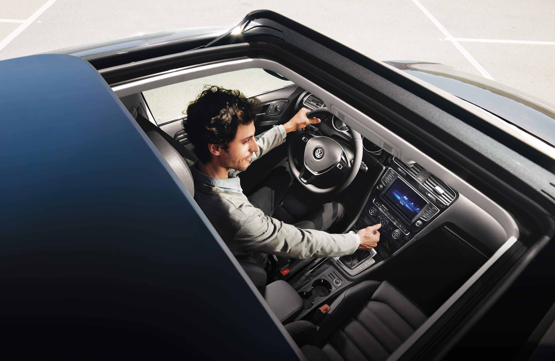 New VW Golf Exterior main image