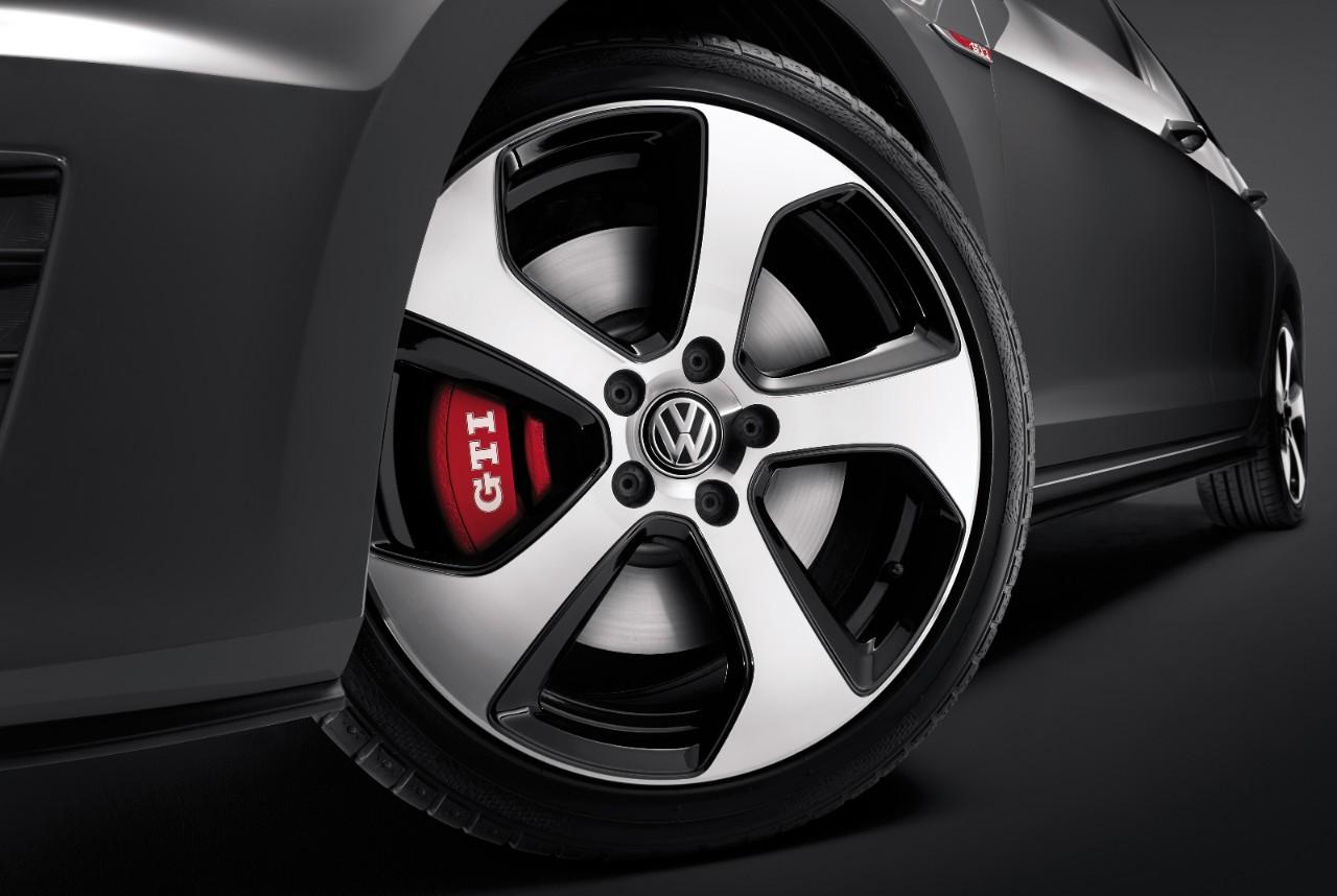 New VW Golf GTI Exterior image 2
