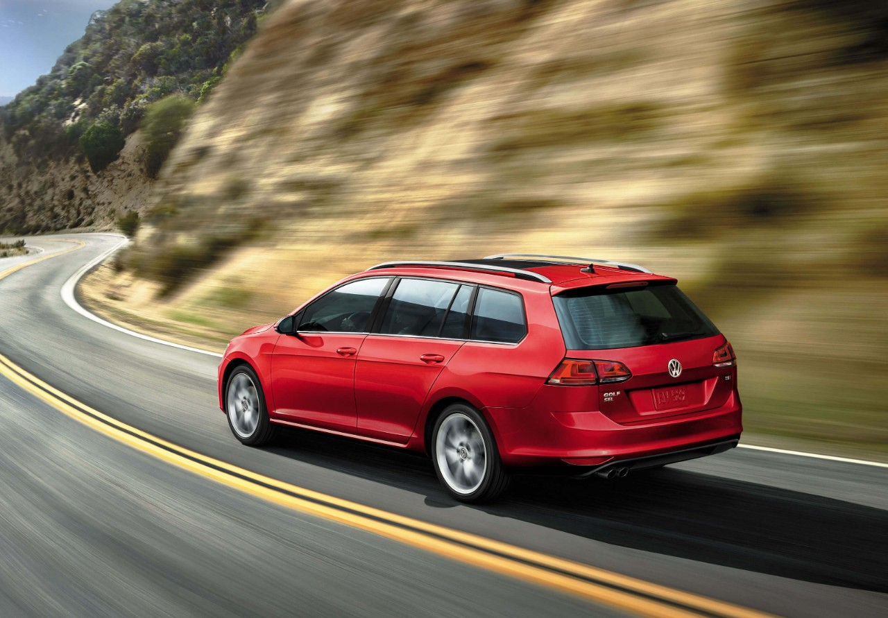 New VW Golf SportWagen Exterior image 1