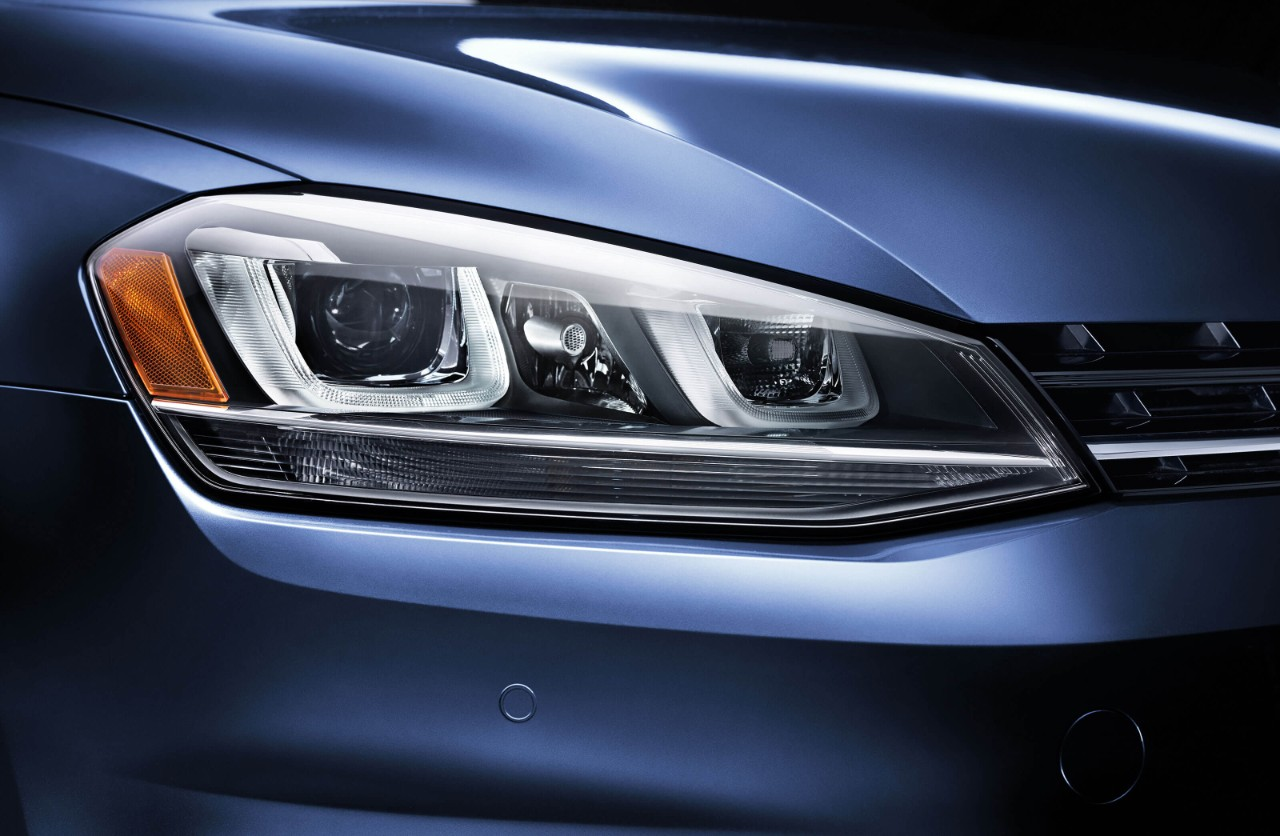 New VW Golf SportWagen Exterior image 2