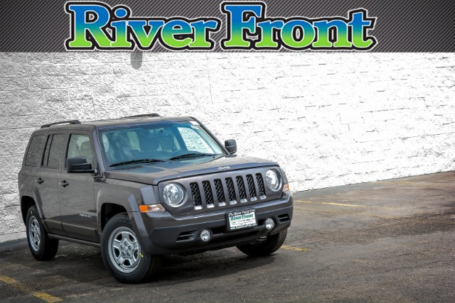 New 2016 Jeep Patriot in North Aurora Illinois