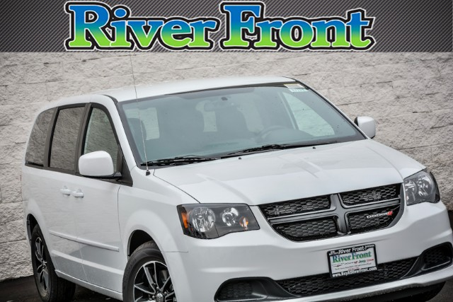 New 2017 Dodge Grand Caravan in North Aurora Illinois