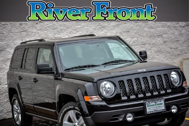 New 2017 Jeep Patriot in North Aurora Illinois