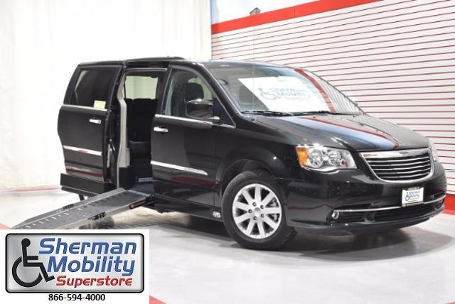 New 2016 Chrysler Town and Country in Chicago Illinois