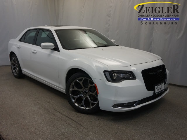 New 2016 Chrysler 300 in Schaumburg Illinois