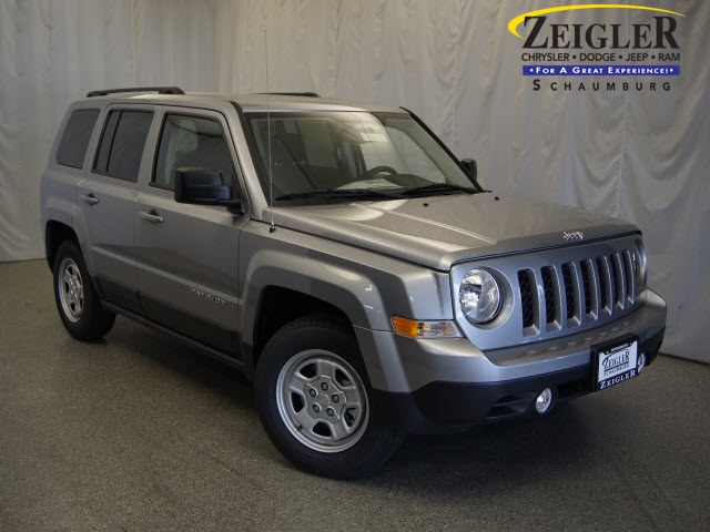 New 2017 Jeep Patriot in Schaumburg Illinois